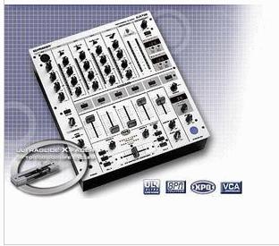 百灵达 DJX750 5 路调音台,数字效果器和节拍器