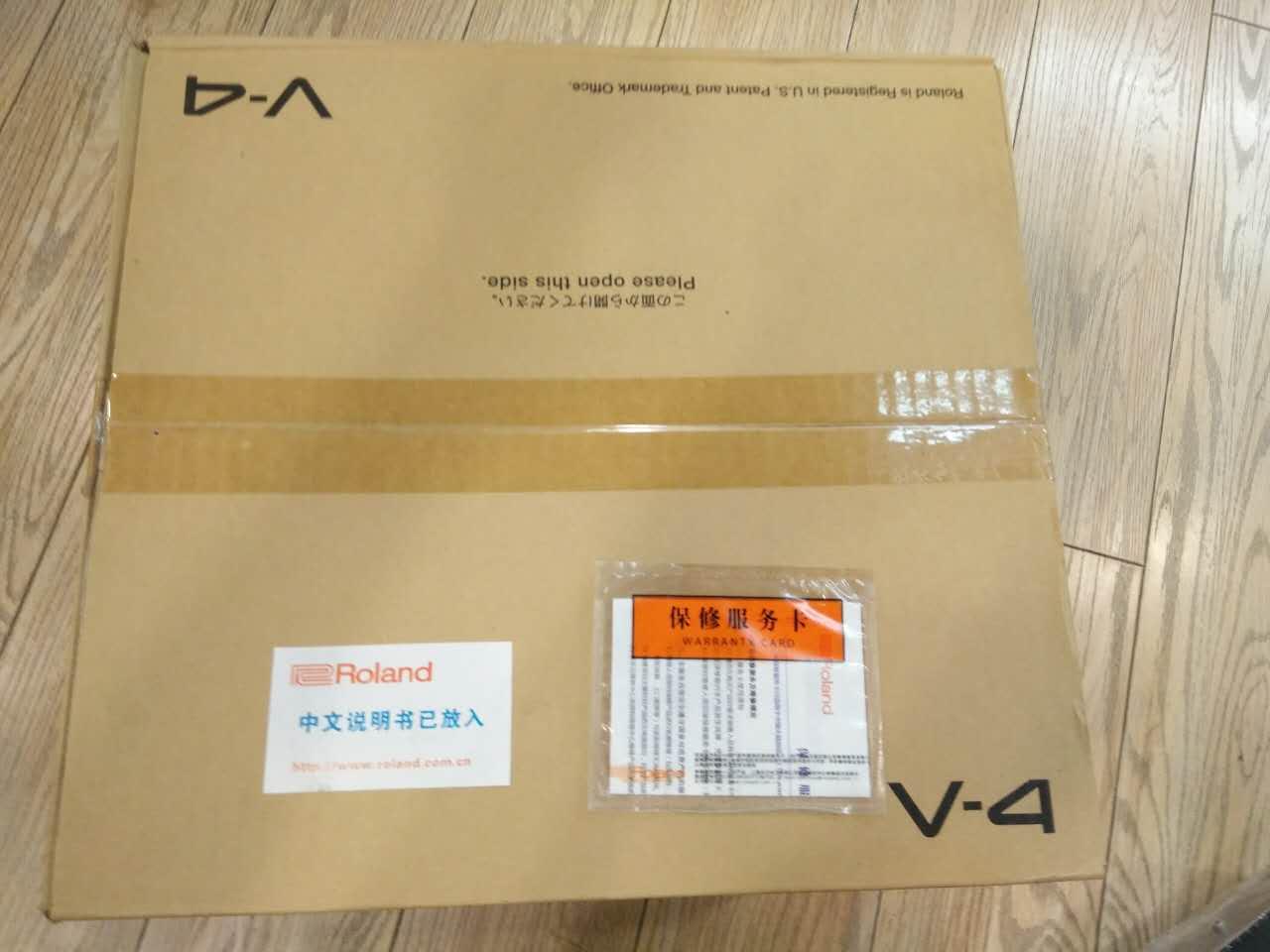 特价出售罗兰V4视频切换器